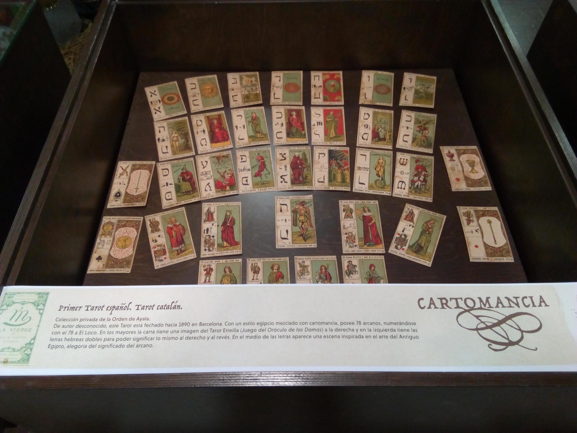 Vitrina 6: Cartomancia, Tarot catalán