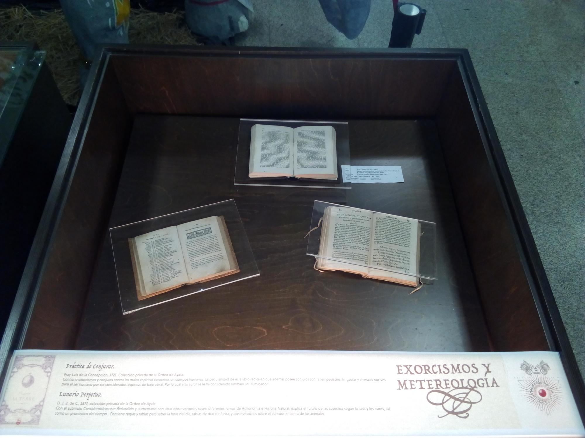 Vitrina 11: Exorcismo y metereología